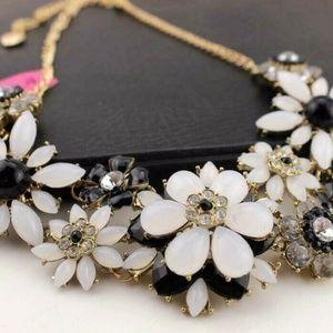Betsey Johnson Jewelry - Beautiful charming Flower women Gift necklace